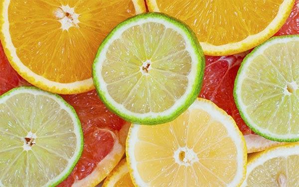 الفواكه الحمضية من الاكلات المفيدة في الشتاء