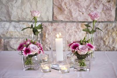 Một số mẫu hoa cưới để bàn đẹp