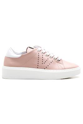 pudra deri bayan spor ayakkabı