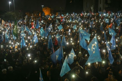 Ozil Teriak, Ribuan Massa Dunia Bergerak