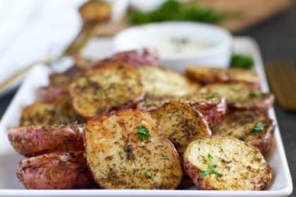 Crispy Garlic Ranch Roasted Potatoes Recipe