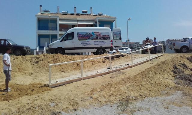 Πρέβεζα: Ράμπα για άτομα, με κινητικά προβλήματα, τοποθέτησε ο Δήμος, στην παραλία Καναλίου.