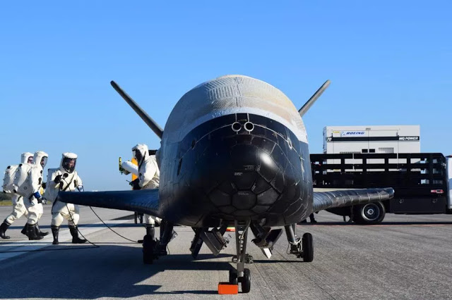 SpaceX scores contract to launch Air Force's secretive X-37B space plane