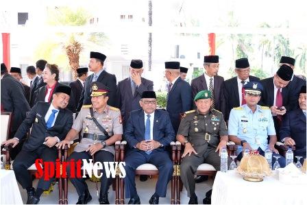 Kapolda Sulsel Peringati Sumpah Pemuda dan Melayat Almarhumah Istri HM. Alwi Hamu (Owner Fajar Grup)