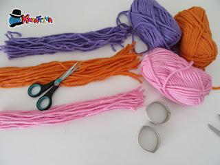 crea fili colorati tutti uguali per creare il cappellino