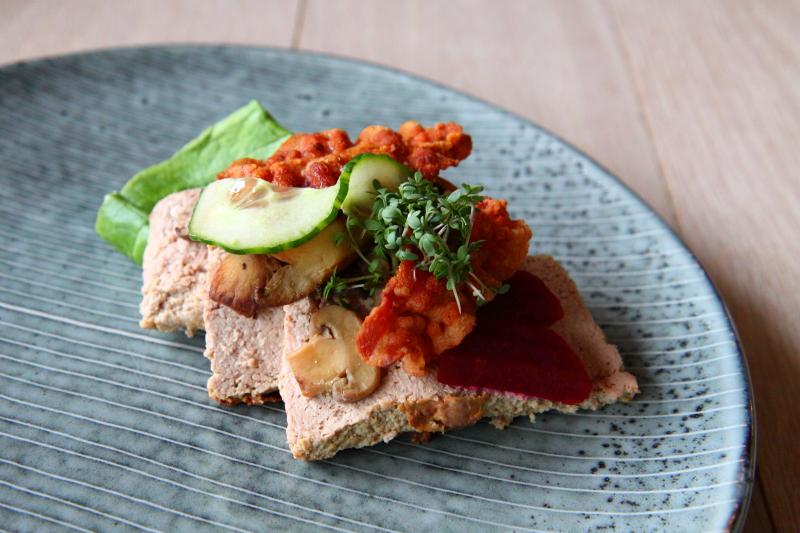 Pynt Med Agurk: Salat med agurk og galia melon meny. Rejetoast med citronmayo agurk opskrifter ...