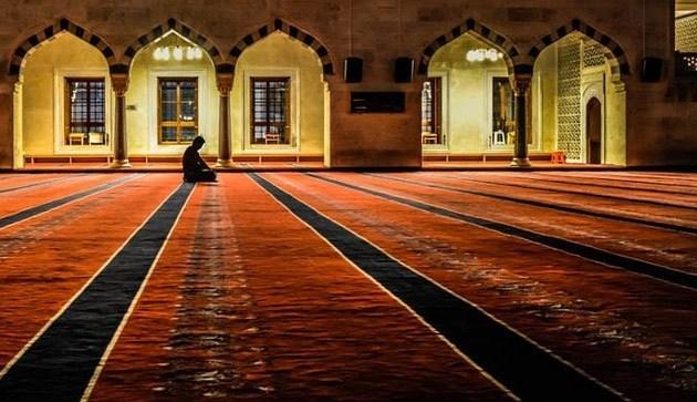 Dalil dan Dasar Keutamaan Shalat Sunnah Qobliyah dan Ba'diyah (Rawatib)