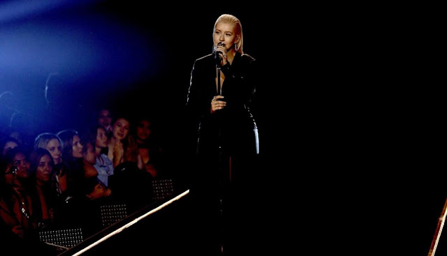 CHRISTINA AGUILERA TRIBUTO A WHITNEY HOUSTON