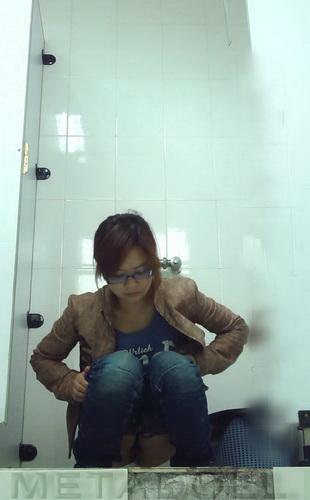 Toilet Club 1364-1374