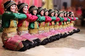 tari-saman-meuseukat-adalah-tarian-yang-berasal-dari-aceh-jenis-gerakan-mengandung-makna