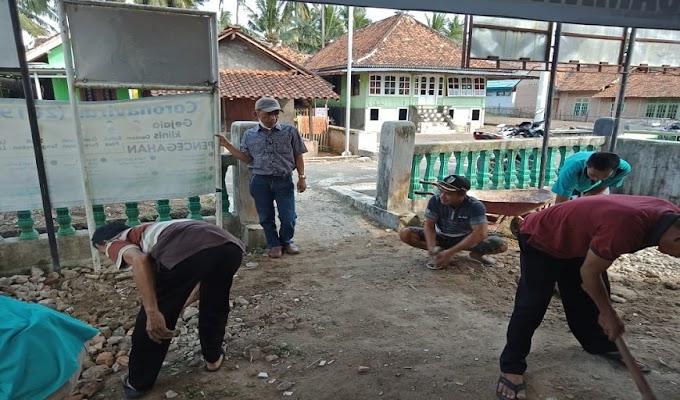 Gerakan Desa Membangun Masyarakat Desa Tanjung Kerta Lalukan Gerakan Sabtu Bersih