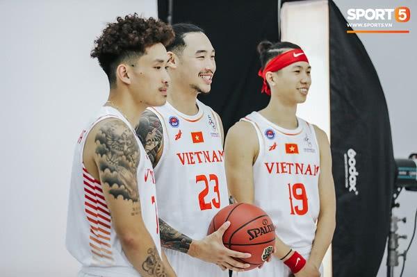 Đồng phục đội tuyển bóng rổ Việt Nam thi đấu SEA Games 30 7