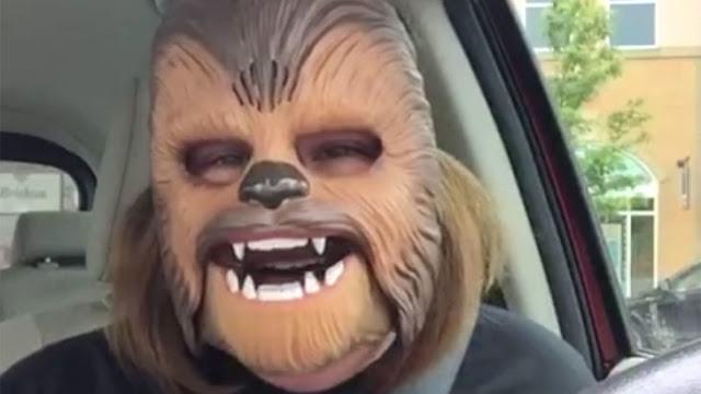 "Familia de la ""Chewbacca Feliz"" recibe agradable sorpresa"