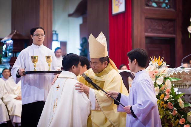 Lễ truyền chức Phó tế và Linh mục tại Giáo phận Lạng Sơn Cao Bằng 27.12.2017 - Ảnh minh hoạ 32