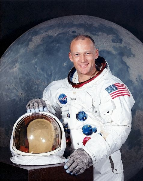 buzz aldrin and neil armstrong - photo #22