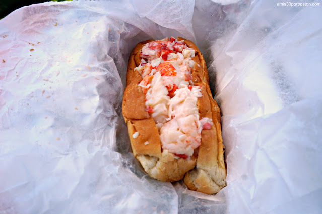 Lobster Roll en Erica's Seafood, Harpswell