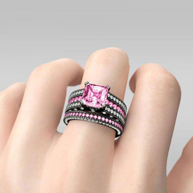 wedding ring for her from Jeulia