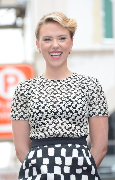Johansson place according beautiful scarlett