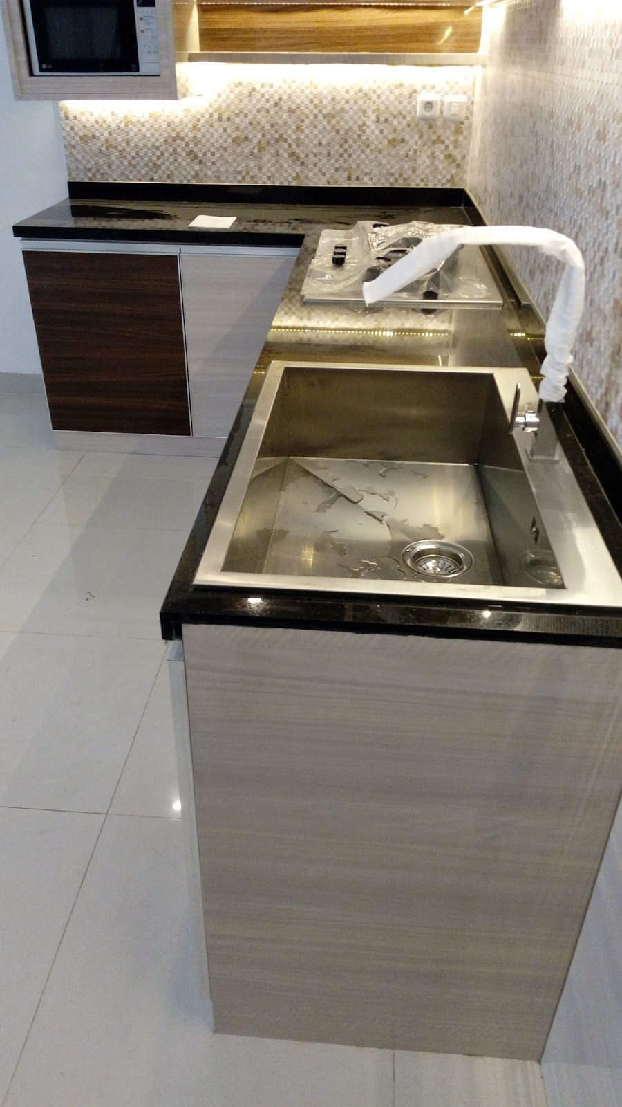 Pasang meja granit kitchen set di jakarta pusat tukang for Tukang kitchen set