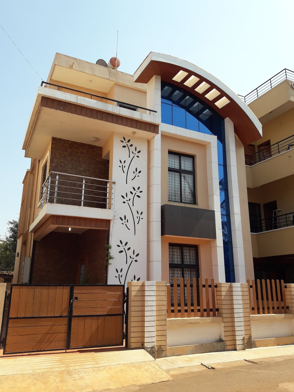 16 Awesome House Elevation Designs: 900 Square Feet Duplex House Front Elevation Design