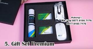 Gift Set Premium merupakan salah satu rekomendasi souvenir spesial idul fitri yang unik dan menarik