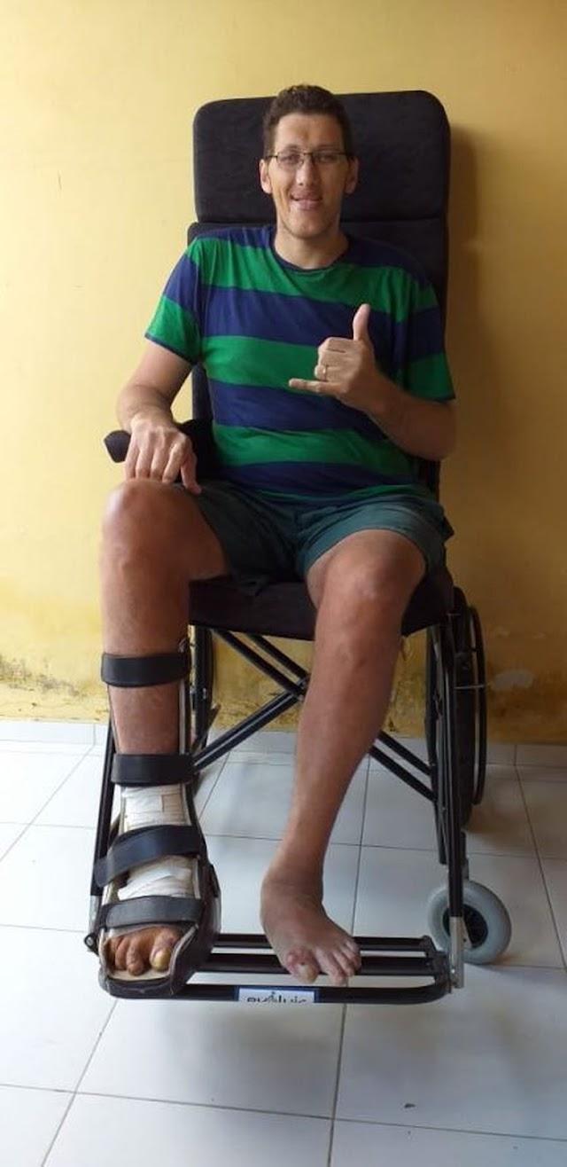 Homem mais alto do Brasil vai amputar perna por causa de infecção: 'decisão dura e dolorosa'