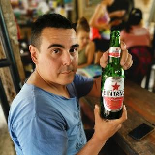 En Bali es fácil encontrar cerveza Bitang.