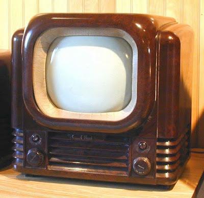 transformasi bentuk televisi