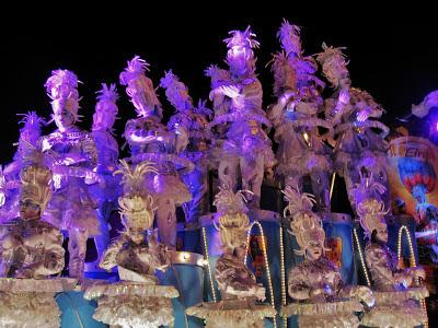 http://carnavalskoentje.blogspot.be/2013/05/carnaval-2013.html