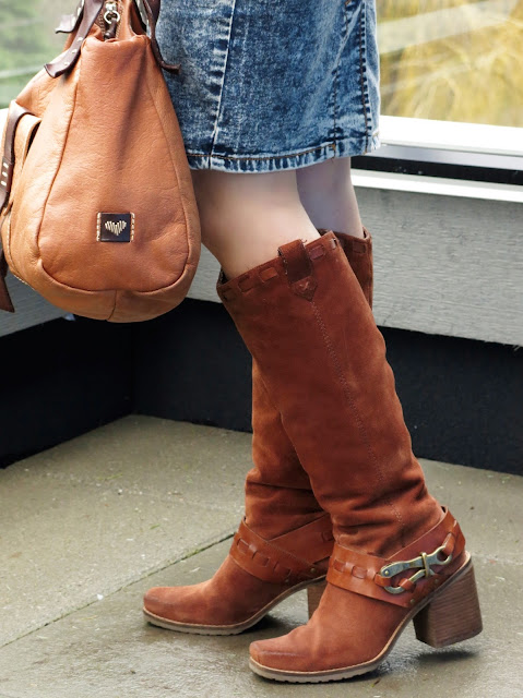 Jessica Simpson block-heeled boots, cognac satchel