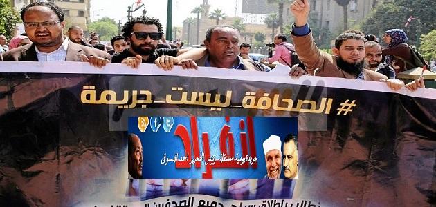 يحيى حسين يتحدث عن الصحفيين : بل على رأسهم تاجٌ لا ريشة
