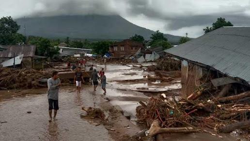 BNI Salurkan Bantuan Untuk Korban Bencana Banjir di NTT