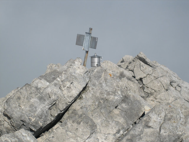 Rutas Montaña Asturias: Buzón de cima del pico Tesorero