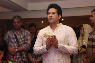 Sachin Tendulkar with his wife at Mata ka Jagrata hosted by Anu Malik 03.JPG