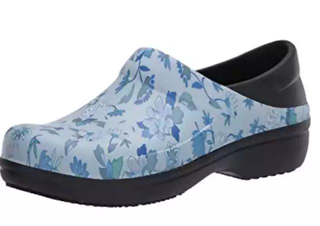 Best nursing shoes for heel pain