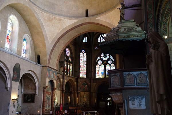 cahors vieille ville cathédrale nef