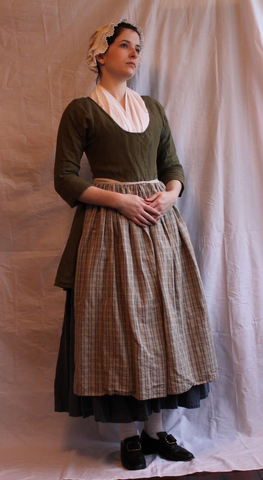 Baker Girl: Planning An 18th Century Outfit (Using only free online ...
