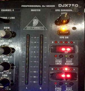 Behringer Professional DJ Mixer DJX750