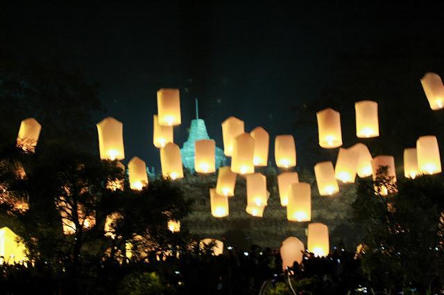 Perayaan Lampion Waisak di Yogyakarta