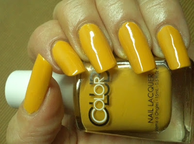 Just My Hobby On Natural Nails You Can Have A Look And Follow Blog About Nature Flowers Animals Etc Http Bubicapictures Blo