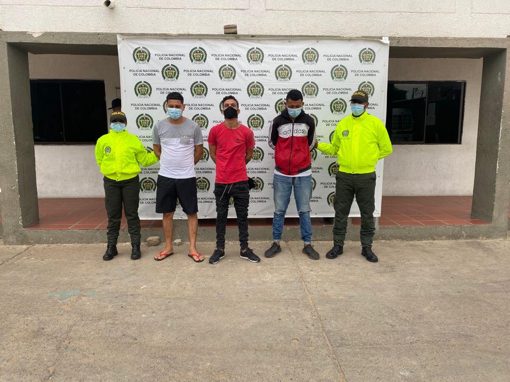 https://www.notasrosas.com/Por homicidio, capturados tres ciudadanos en Maicao