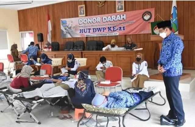 Dalam Rangkat HUT Dharma Wanita Persatuan Ke-21, DWP Kab. Pangandaran Menggelar Donor Darah
