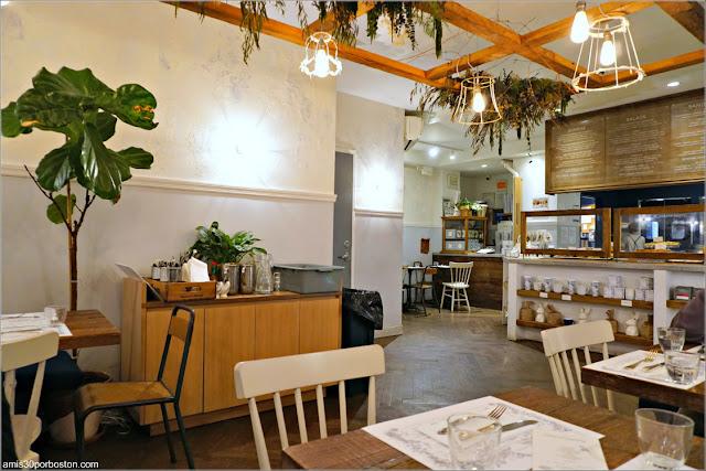 Comedor de la Cafetería Maman en Nomad, Nueva York