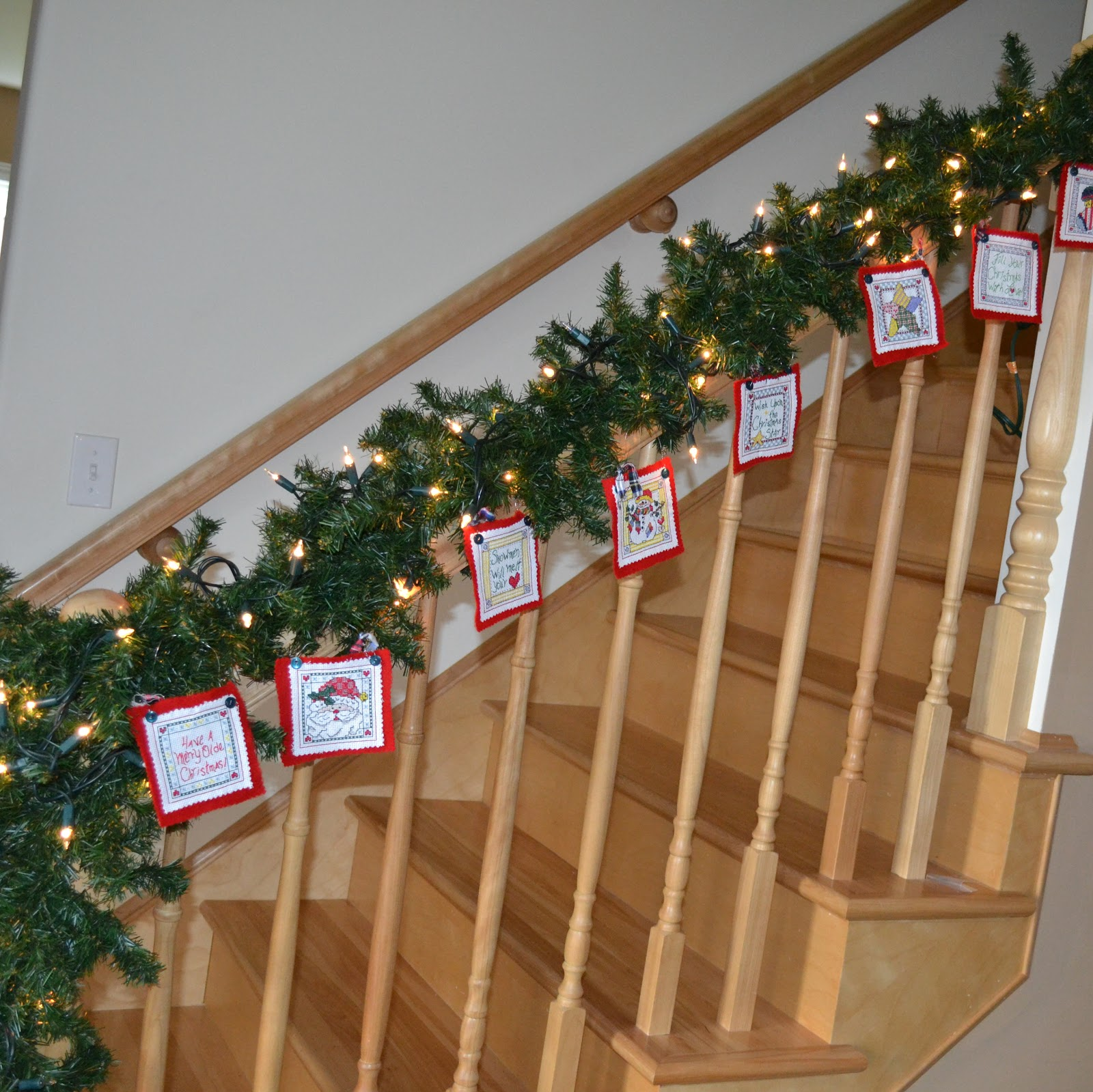 East Coast Mommy: Frugal and Festive {Holiday Decor}