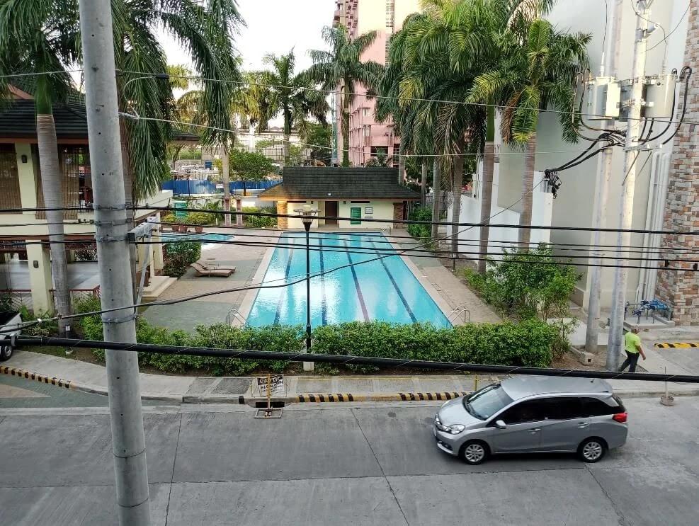 Infinix HOT 10 Play Camera Sample - Day, Pool