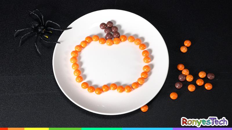 Halloween Pumpkin Skittles Science Experiment Instruction Step1