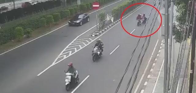 Ini Video CCTV Jambret Penumpang Ojol di Cempaka Putih, Sadis!