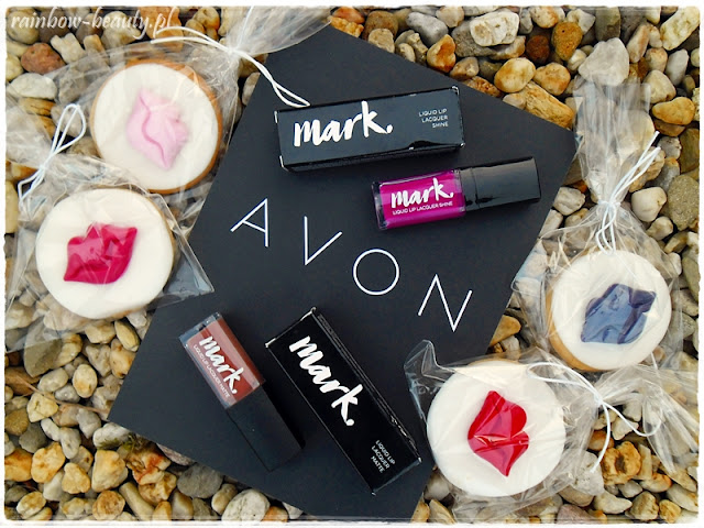 avon-mark-liquid-lip-laquer-matte-blog-opinie-pomadka-w-plynie