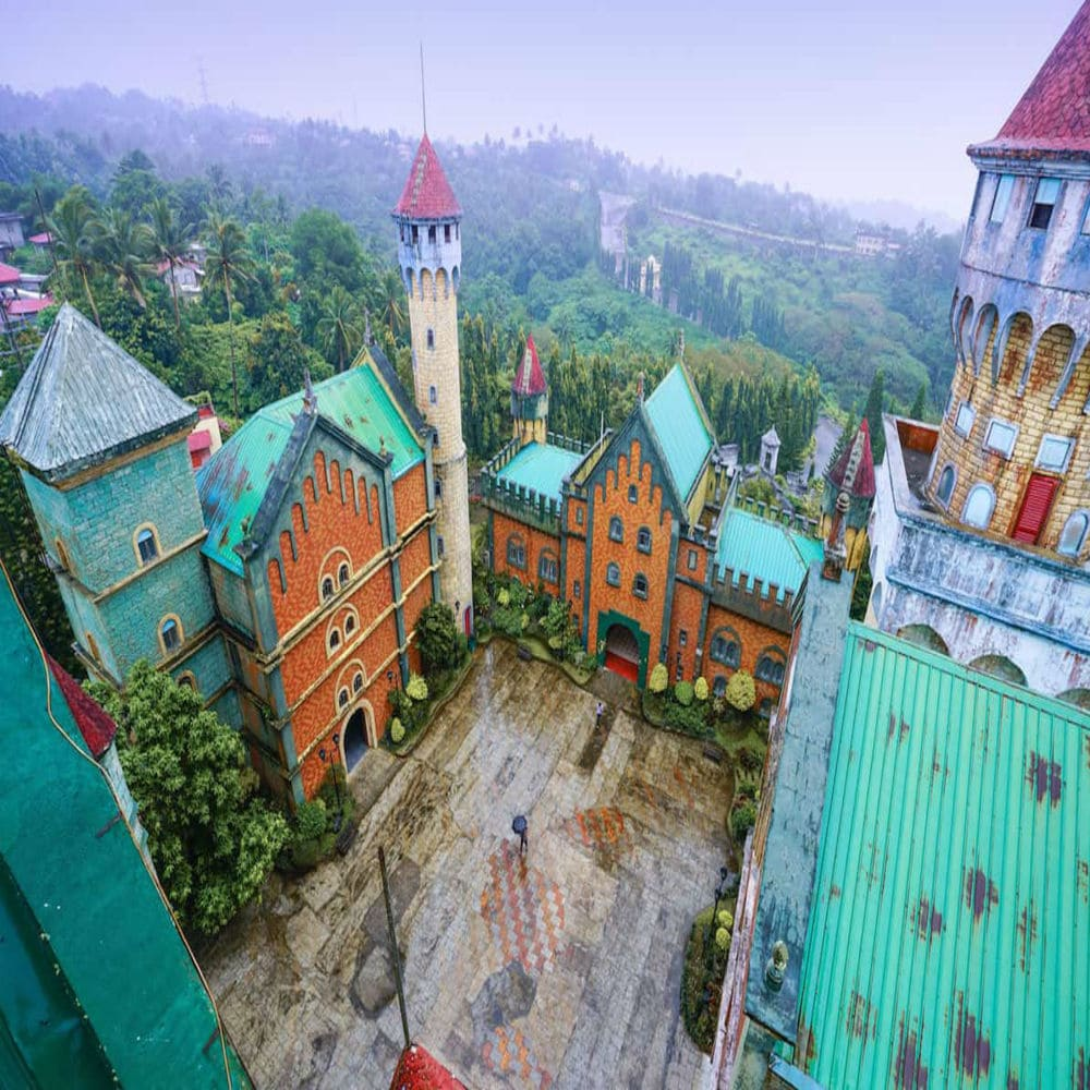 kak-nachat-i-vesti-trevel-blog-abandoned-castle-batangas