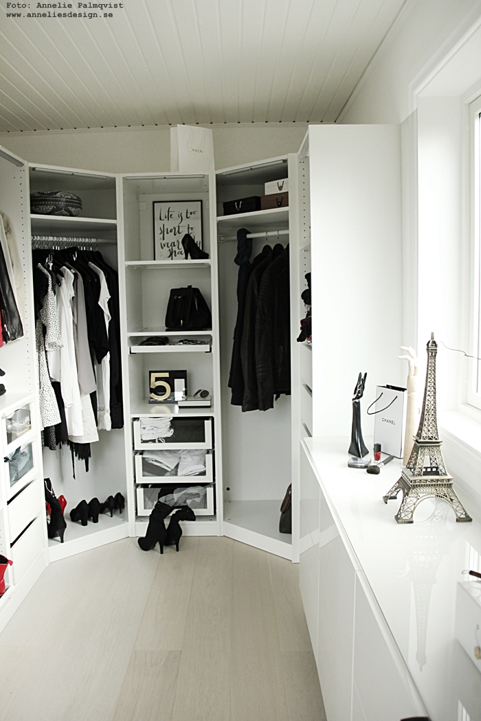 annelies design, walk in closet, elffeltorn, eiffeltorn i inredningen , eiffeltornet, dekoration, prydnad, ikea bestå, byrå, skänk, öppen garderob, öppna garderober, chanel,